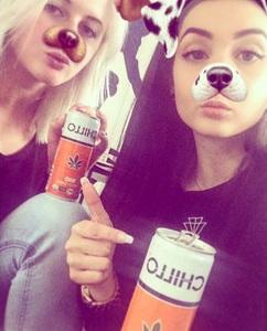 #mychilloselfie_025_Nina&Vanessa.jpg